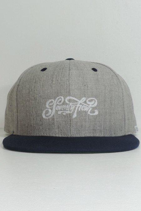 BASE BALL CAP (SCRIPT LOGO) -Grey/Navy-