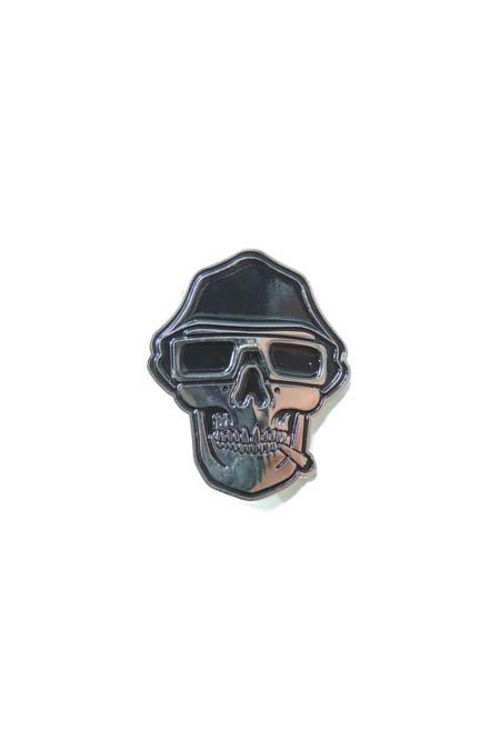 SMOKED LOC PIN -Metal-