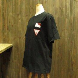 【GUESS/ゲス】ハローキティコラボ半袖Tシャツ ポケット ブラック