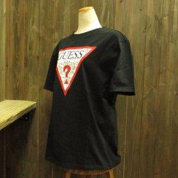 【GUESS/ゲス】ハローキティコラボ半袖Tシャツ 細キティ柄 ブラック
