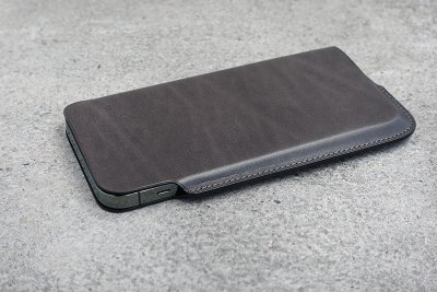 Lim Phone Sleeve Pro Max Rugato<img class='new_mark_img2' src='https://img.shop-pro.jp/img/new/icons8.gif' style='border:none;display:inline;margin:0px;padding:0px;width:auto;' />