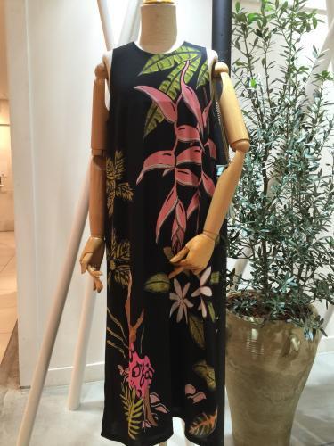 Hilo Kumeアパレル アメリカンショルダーロングドレス(ブラック)