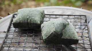 【草餅】天日乾燥させた『よもぎ』をたっぷりつき込んだ、風味豊かなお餅(8個入り)