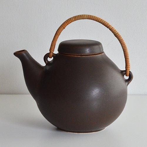 <img class='new_mark_img1' src='https://img.shop-pro.jp/img/new/icons36.gif' style='border:none;display:inline;margin:0px;padding:0px;width:auto;' />ARABIA / Ulla Procope [ GA3 ] teapot (brown)