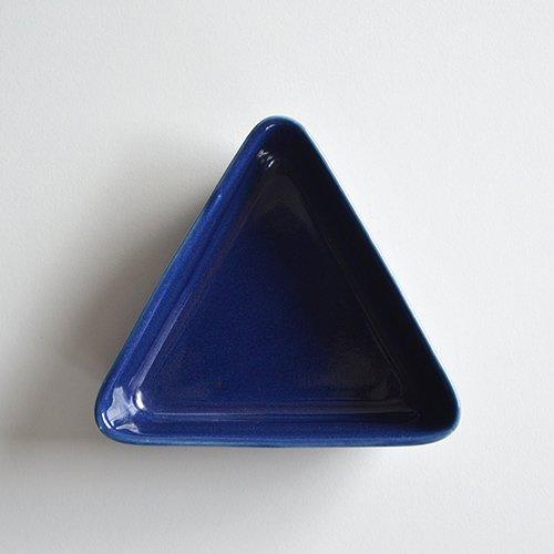 <img class='new_mark_img1' src='https://img.shop-pro.jp/img/new/icons16.gif' style='border:none;display:inline;margin:0px;padding:0px;width:auto;' /><30% OFF> ARABIA / Kaj Franck [ KILTA ] Triangle plate (blue)