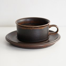ARABIA / Ulla Procope [ Ruska ] teacup & saucer