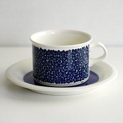 ARABIA / Inkeri Leivo [ Faenza ] teacup & saucer (blue)