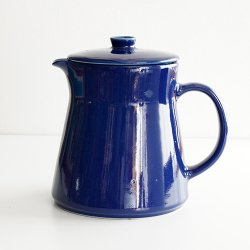 ARABIA / Kaj Franck [ KILTA ] pitcher + rid (blue)
