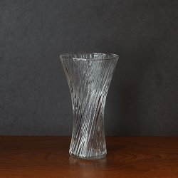 <img class='new_mark_img1' src='https://img.shop-pro.jp/img/new/icons48.gif' style='border:none;display:inline;margin:0px;padding:0px;width:auto;' />Nuutajarvi / Oiva Toikka [ Vilja ] flower vase (S)