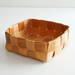 スウェーデンで見つけた パイン材バスケット