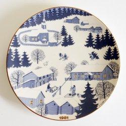 ARABIA / Raija Uosikkinen [ JOULULAUTANEN ] christmas plate(1981年)