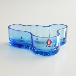<img class='new_mark_img1' src='https://img.shop-pro.jp/img/new/icons48.gif' style='border:none;display:inline;margin:0px;padding:0px;width:auto;' />iittala [ Alvar Aalto Collection ] glass plate(ブルー)