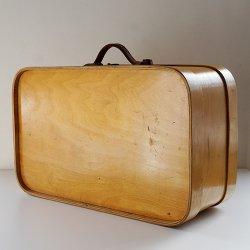 Finland Vintage Trunk - フィンランドで見つけた木製ビンテージトランク (B)