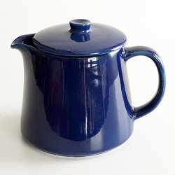 <img class='new_mark_img1' src='https://img.shop-pro.jp/img/new/icons48.gif' style='border:none;display:inline;margin:0px;padding:0px;width:auto;' />ARABIA / Kaj Franck [ KILTA ] pitcher + rid (blue)