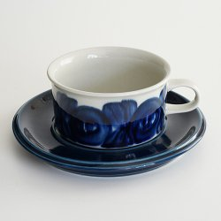 <img class='new_mark_img1' src='https://img.shop-pro.jp/img/new/icons48.gif' style='border:none;display:inline;margin:0px;padding:0px;width:auto;' />ARABIA / Ulla Procope [ anemone ] teacup & saucer