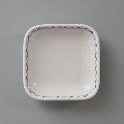 <img class='new_mark_img1' src='https://img.shop-pro.jp/img/new/icons48.gif' style='border:none;display:inline;margin:0px;padding:0px;width:auto;' />Schonwald / Tapio Wirkkala [ for FINNAIR ] 9x9cm plate