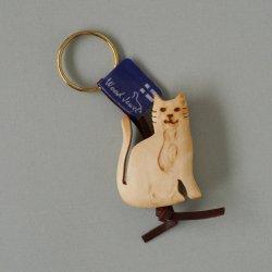 Wood Jewel Finland - 白樺のキーホルダー (ネコ)