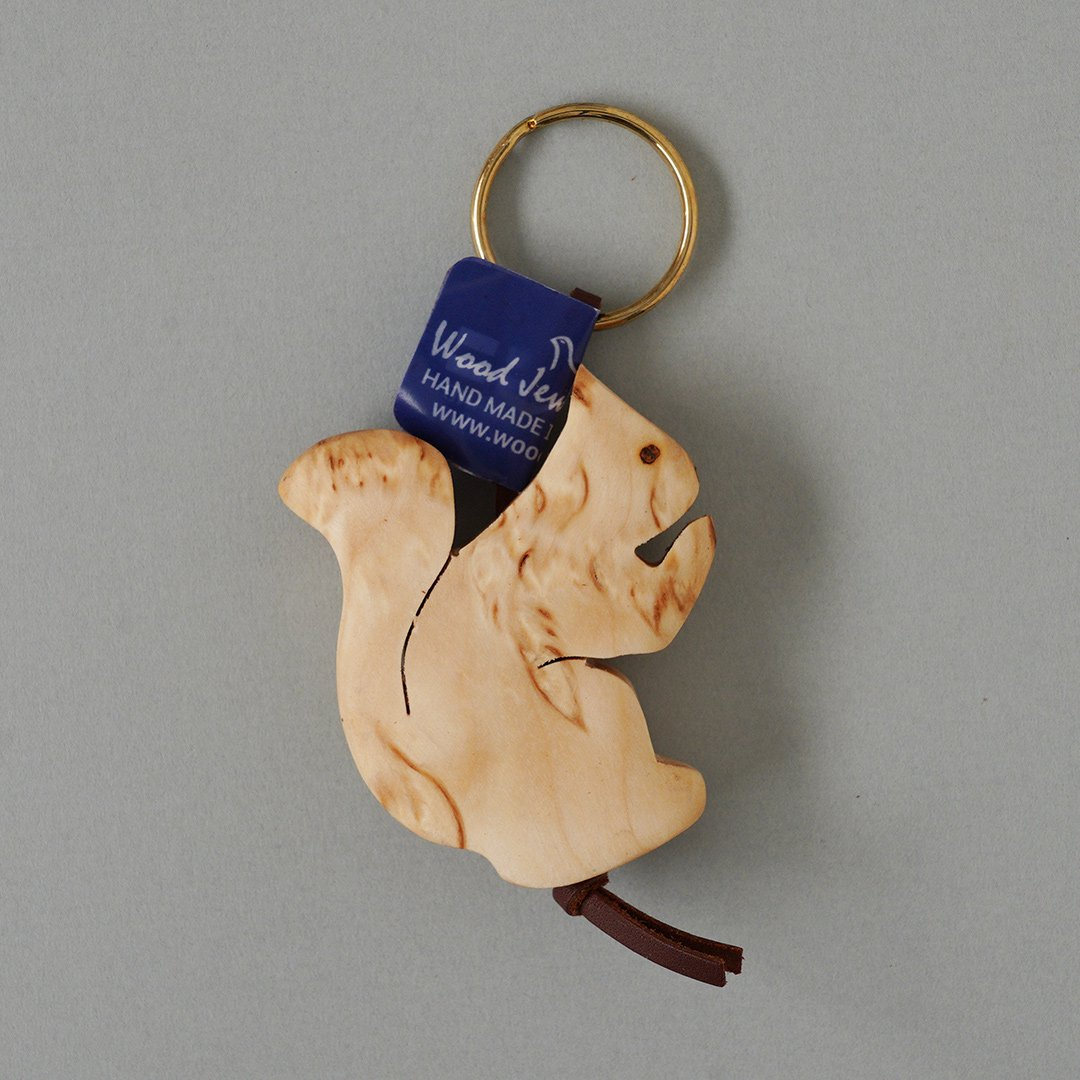 <img class='new_mark_img1' src='https://img.shop-pro.jp/img/new/icons48.gif' style='border:none;display:inline;margin:0px;padding:0px;width:auto;' />Wood Jewel Finland - 白樺のキーホルダー (リス)