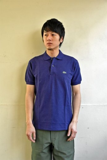 <img class='new_mark_img1' src='//img.shop-pro.jp/img/new/icons13.gif' style='border:none;display:inline;margin:0px;padding:0px;width:auto;' />LACOSTE(ラコステ)  半袖ポロシャツ CHINE SLOE