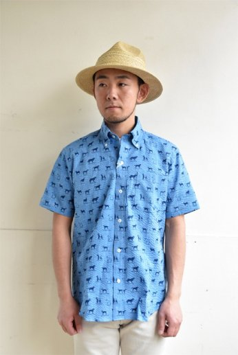 H by FIGER(エイチバイフィガー) シアサッカーボタンダウン半袖シャツ 'DOG' ブルー