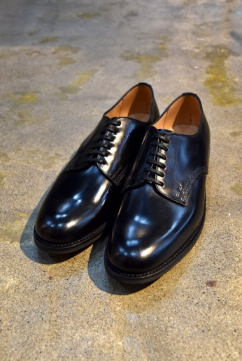 <img class='new_mark_img1' src='//img.shop-pro.jp/img/new/icons13.gif' style='border:none;display:inline;margin:0px;padding:0px;width:auto;' />SANDERS(サンダース) OFFICER SHOE ブラック