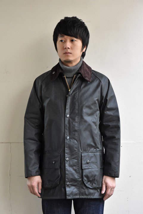 <img class='new_mark_img1' src='https://img.shop-pro.jp/img/new/icons13.gif' style='border:none;display:inline;margin:0px;padding:0px;width:auto;' />Barbour(バブアー)Beaufort(ビューフォート)ワックスジャケットの写真