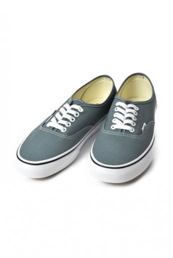 VANS(バンズ)AUTHENTIC Goblin Blue/True White
