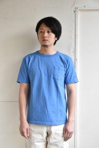 <img class='new_mark_img1' src='https://img.shop-pro.jp/img/new/icons51.gif' style='border:none;display:inline;margin:0px;padding:0px;width:auto;' />Champion(チャンピオン) T1011 ポケット付きTシャツ ブルーグレー