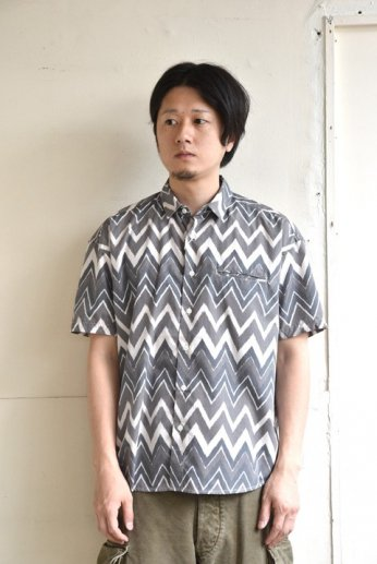 weac.(ウィーク)FANTASTIC SHIRTS ZIGZAG BLACK