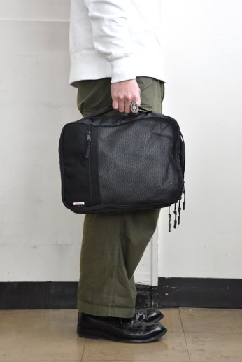 SML(エスエムエル) CLOTHING CASE ブラック