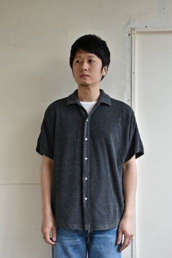 <img class='new_mark_img1' src='https://img.shop-pro.jp/img/new/icons34.gif' style='border:none;display:inline;margin:0px;padding:0px;width:auto;' />melple(メイプル)CA Pile Kakaako Dolman Shirts チャコール