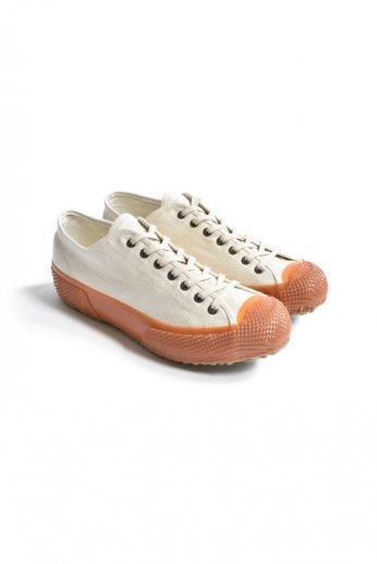 <img class='new_mark_img1' src='https://img.shop-pro.jp/img/new/icons13.gif' style='border:none;display:inline;margin:0px;padding:0px;width:auto;' />ARTIFACT BY SUPERGA(アーティファクト バイ スペルガ)MS-05 KUROKI A16