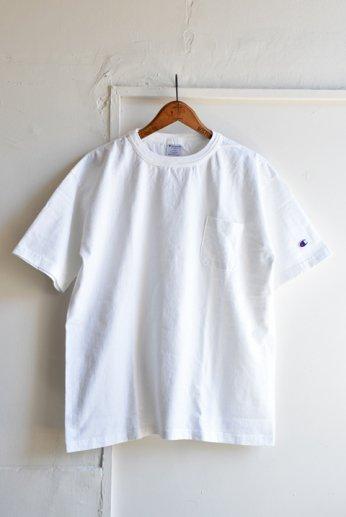 <img class='new_mark_img1' src='https://img.shop-pro.jp/img/new/icons13.gif' style='border:none;display:inline;margin:0px;padding:0px;width:auto;' />Champion(チャンピオン) T1011 ポケット付きTシャツ ホワイト