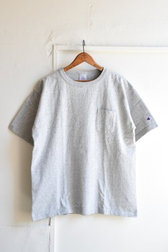 <img class='new_mark_img1' src='https://img.shop-pro.jp/img/new/icons13.gif' style='border:none;display:inline;margin:0px;padding:0px;width:auto;' />Champion(チャンピオン) T1011 ポケット付きTシャツ オックスフォードグレー