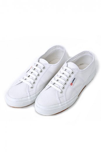 <img class='new_mark_img1' src='//img.shop-pro.jp/img/new/icons13.gif' style='border:none;display:inline;margin:0px;padding:0px;width:auto;' />SUPERGA(スペルガ) キャンバススニーカー ホワイト