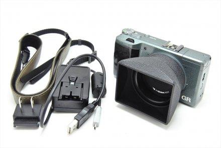 リコー GR Limited Edition 【フード・アダプター、ストラップ、チャージャー、バッテリー、USB付】