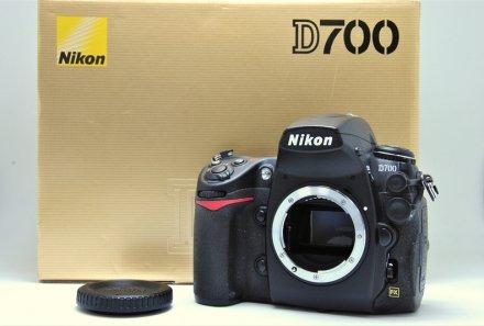 D700 【元箱付一式】