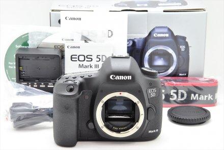 EOS 5D MarkIII 【元箱・CD-ROM・取説・ストラップ・チャージャー・USB付】