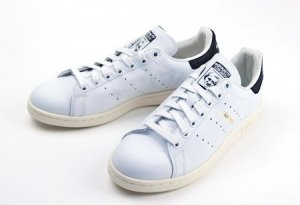 adidas Originals<br>STAN SMITH<br>コアブラック<img class='new_mark_img2' src='https://img.shop-pro.jp/img/new/icons50.gif' style='border:none;display:inline;margin:0px;padding:0px;width:auto;' />