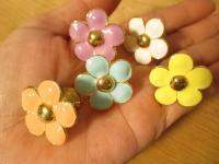 花花ツマミ かわいい花の形のツマミです、4個から。