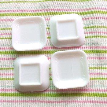 デコ用素材 ミニチュア食器 スクウェアミニプレート 約100個セット 「クロネコDM便対応可」