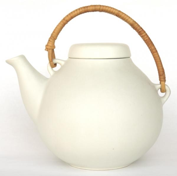 Ulla Procope/ Tea Pot (L)White