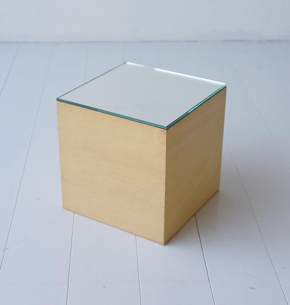 YABU/cube with mirror