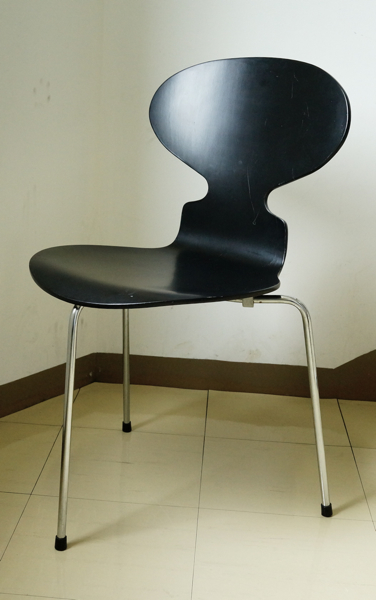 Arne Jacobsen / Ant Chair / Black