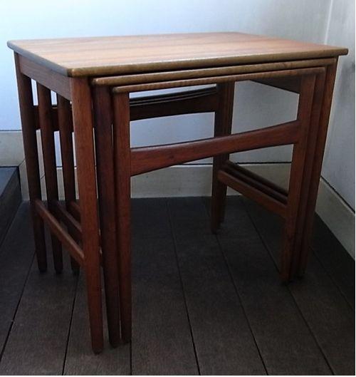 Hans J. Wegner / Nest Table