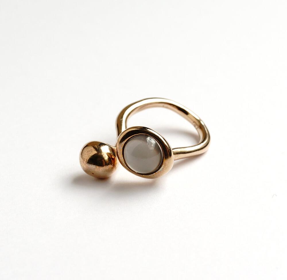 Monica Castiglioni / PISTILLI02 (Bronze+Gray Moonstone)