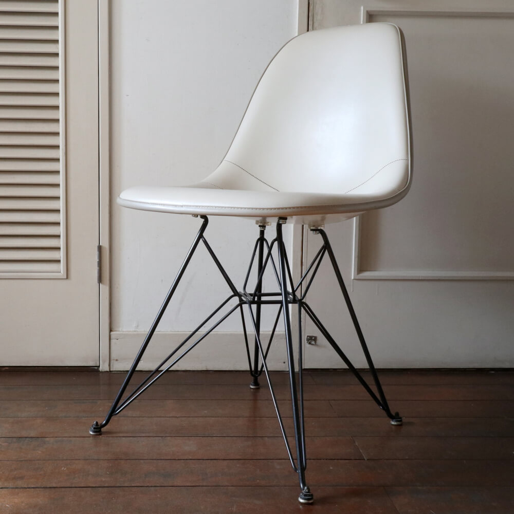 Charles & Ray Eames /Side shell/ Eiffel Base