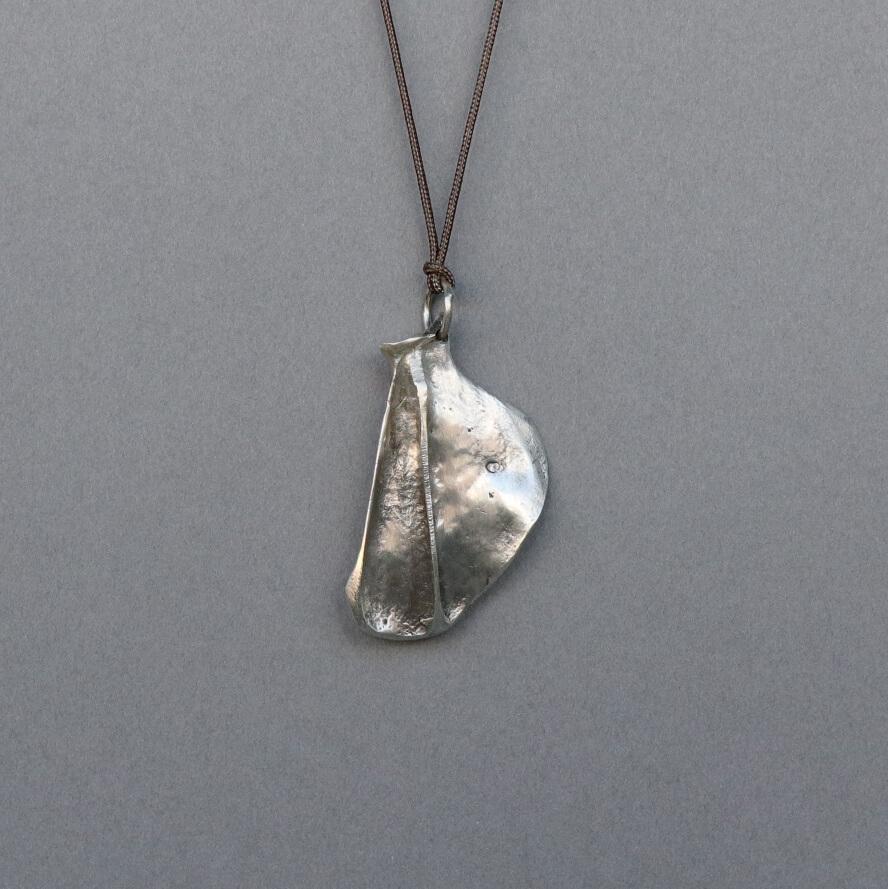 Melanie Decourcey/Pendant On String/Silver Scapula Bone