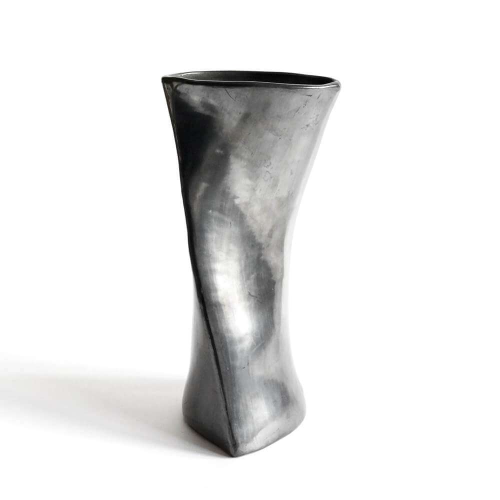 Doña Rosa/Barro Negro/Twisted Vase