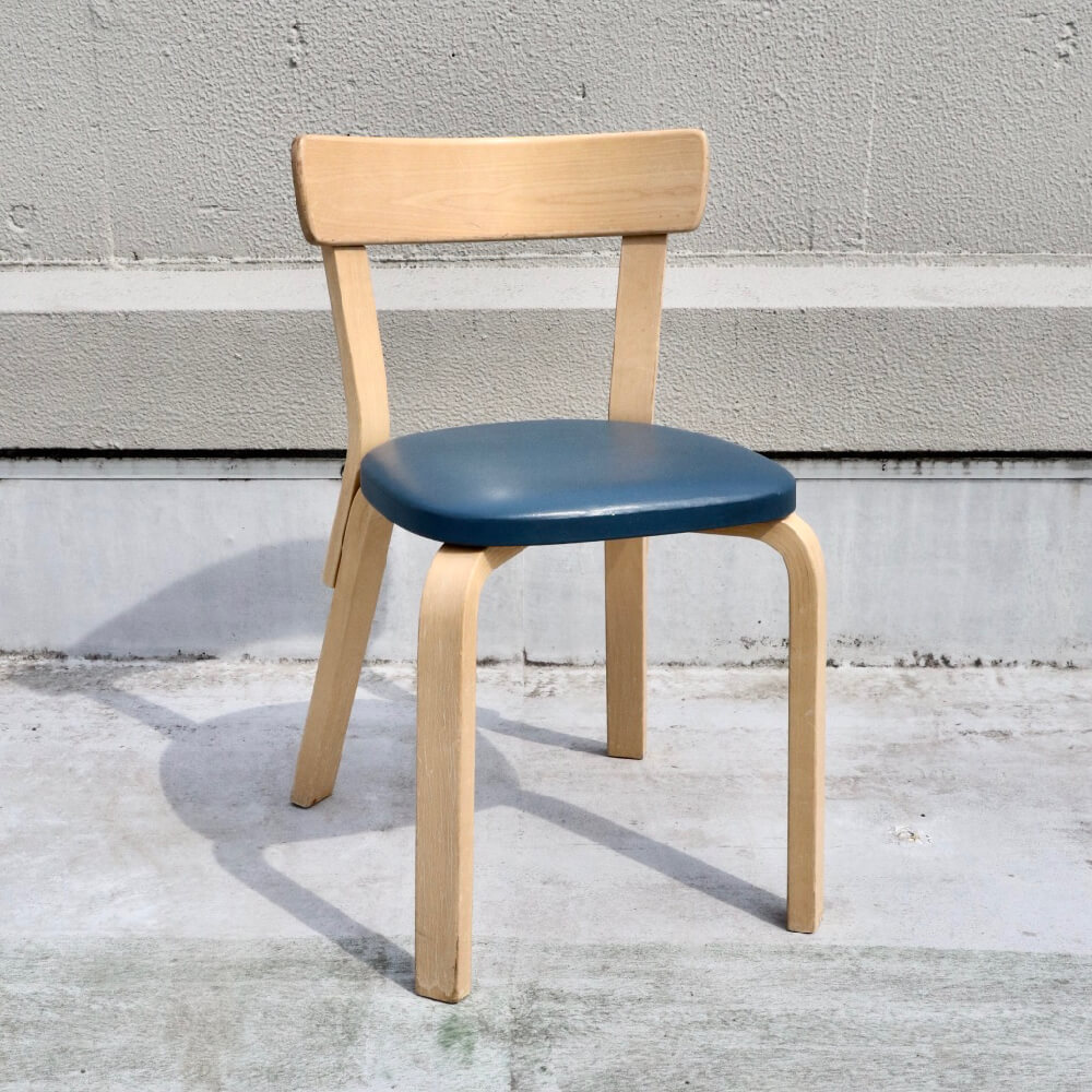 <img class='new_mark_img1' src='https://img.shop-pro.jp/img/new/icons7.gif' style='border:none;display:inline;margin:0px;padding:0px;width:auto;' />Alvar Aalto/Chair No.69/Navy